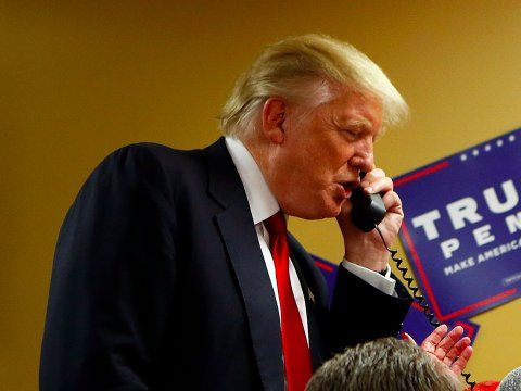 donald-trump-telephone-phone-call